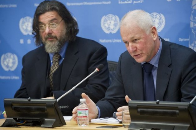 Ǻke Sellström (right), head of the UN technical mission to investigate the possible use of chemical weapons in Syria, briefs journalists on the work of the mission on Dec. 13, 2013. At his side is investigation team leader Maurizio Barbeschi from the World Health Organisation (WHO). Credit: UN Photo/Amanda Voisard
